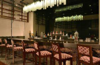 pose-lobby-bar